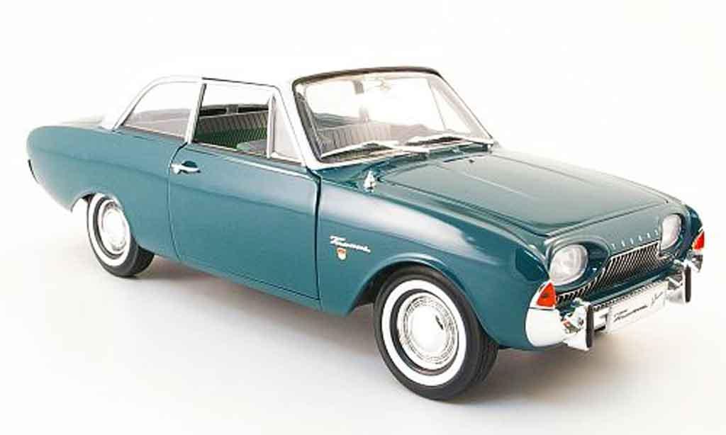 Ford Taunus 1/18 Revell 17 m (p3) verte/blanche badewanne 1960 miniature