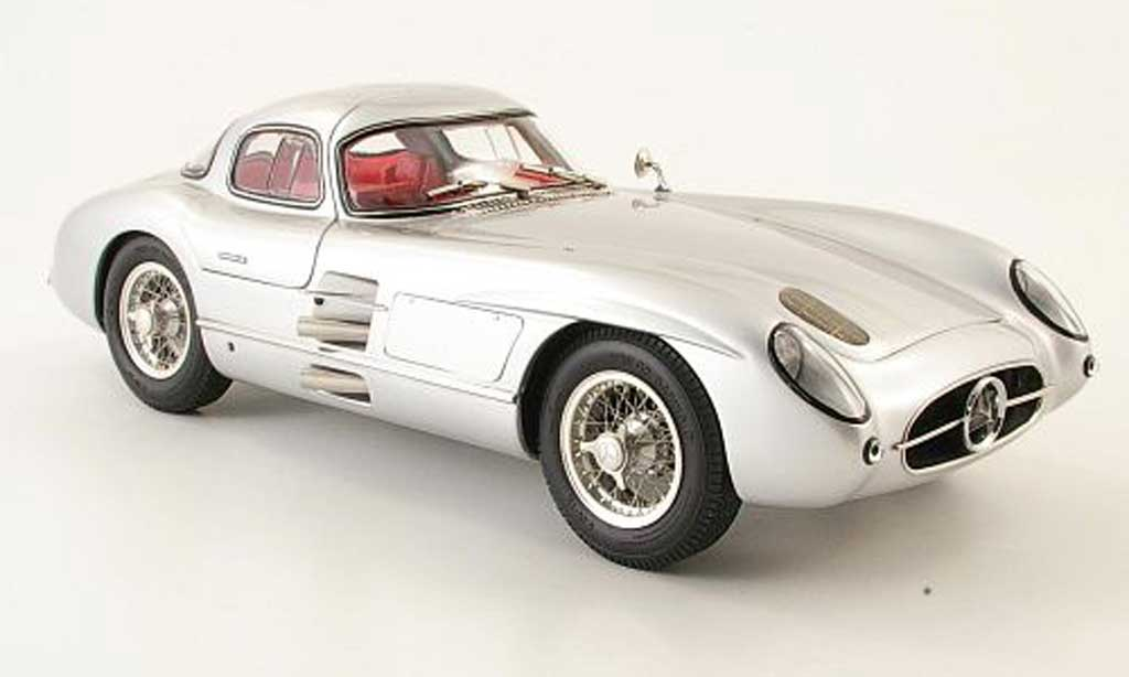 Mercedes 300 SLR 1/18 CMC coupe 1955 miniature