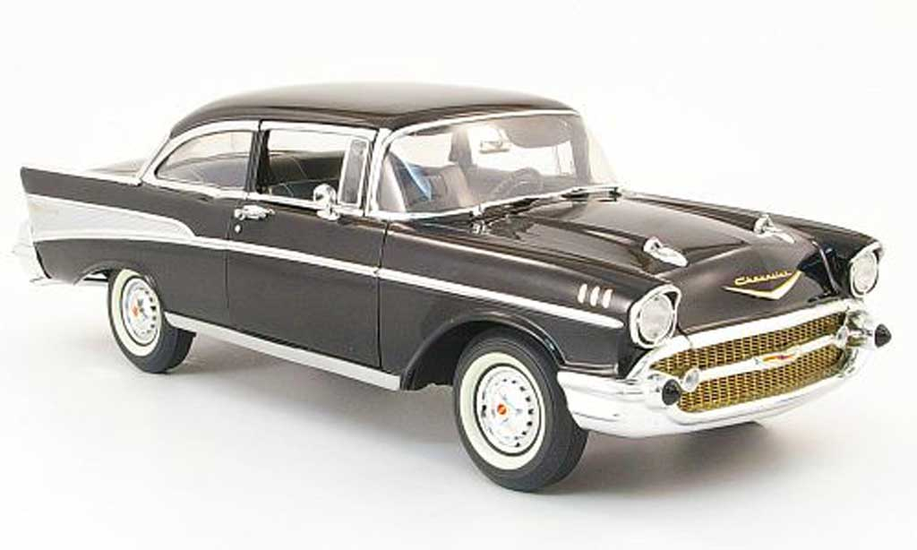 Chevrolet Bel Air 1957 1/18 Highway 61 Sedan noire 2-portes miniature
