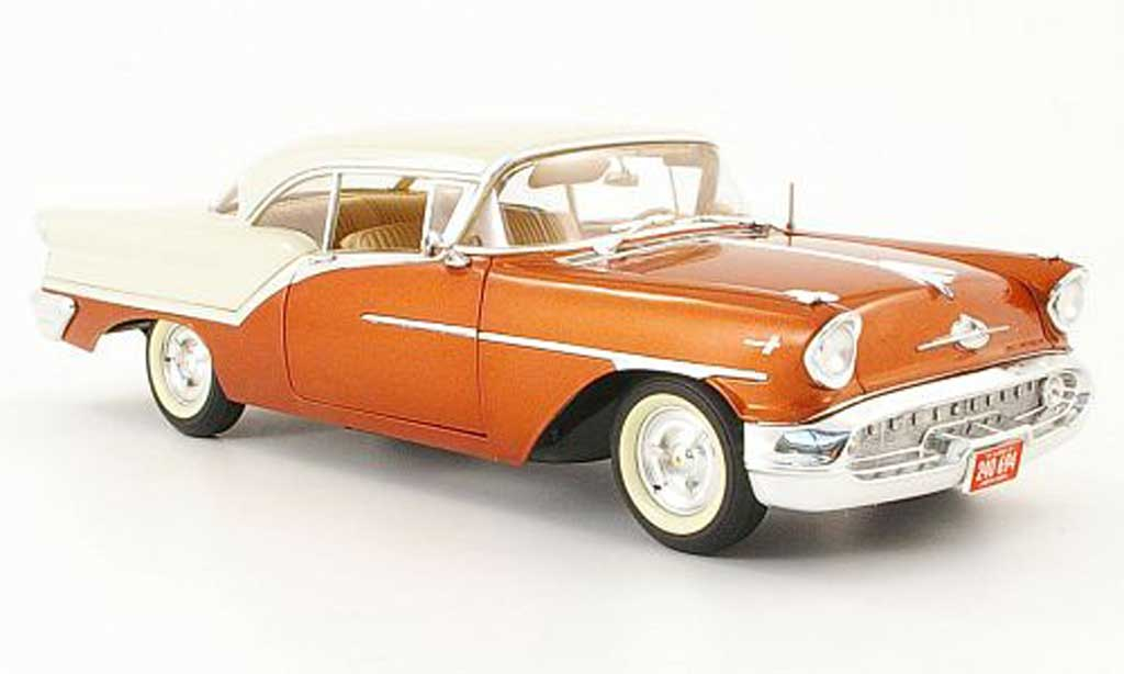 Oldsmobile Super 88 1/18 Highway 61 orange/beige 1957 miniature