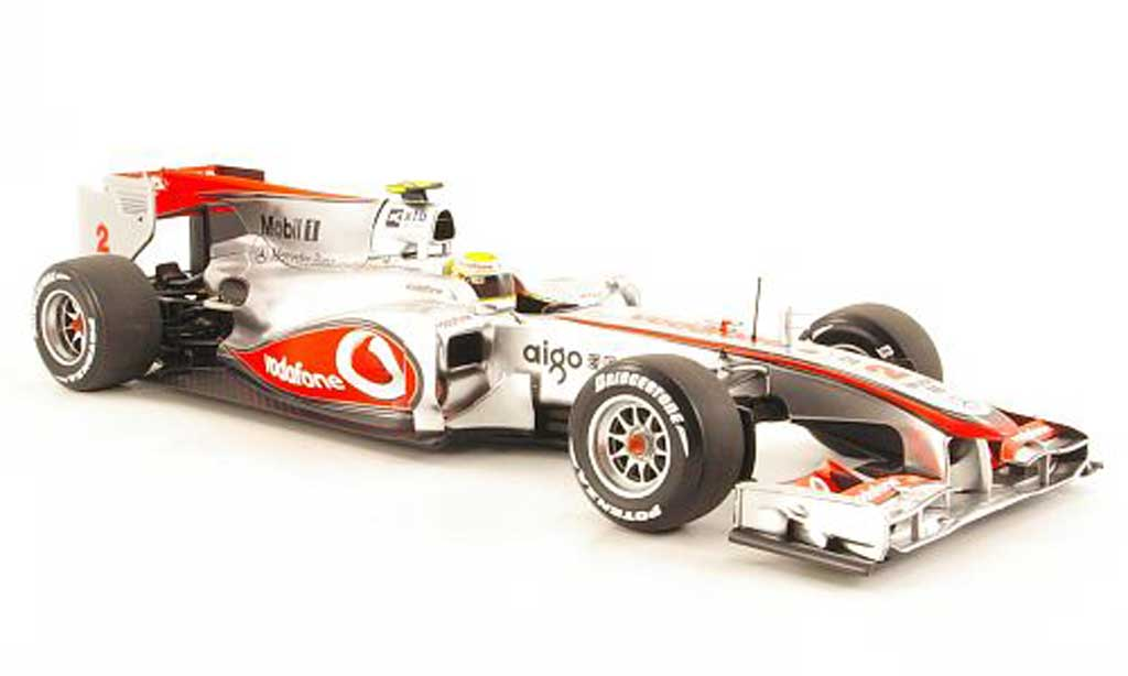 Mercedes F1 1/18 Minichamps McLaren MP4-25 No.2 L.Hamilton Vodafone -Saison 2010 miniature
