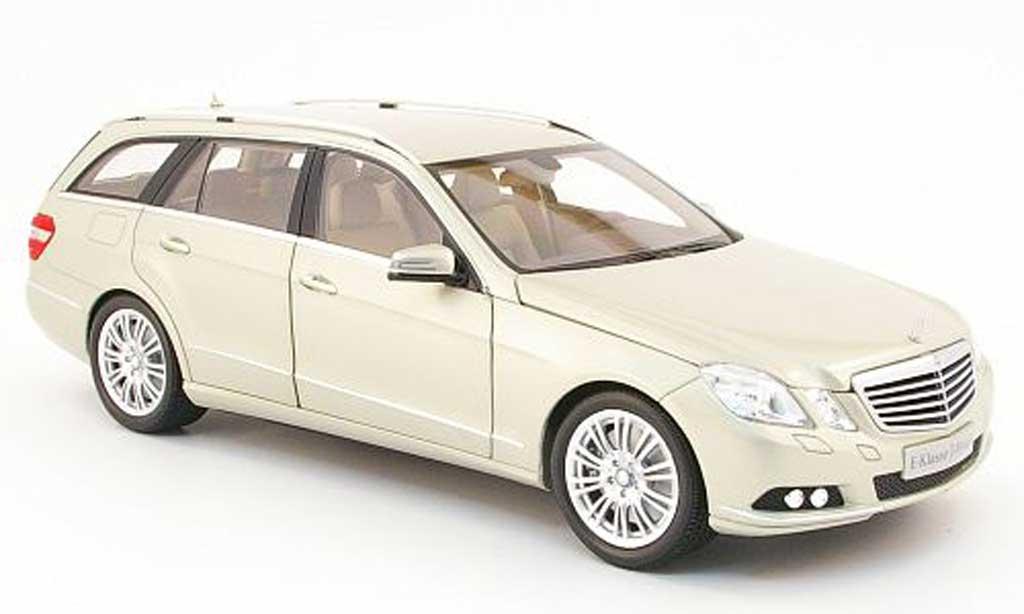 Mercedes Classe E 1/18 Minichamps t-modell (s212) beige 2009 miniature
