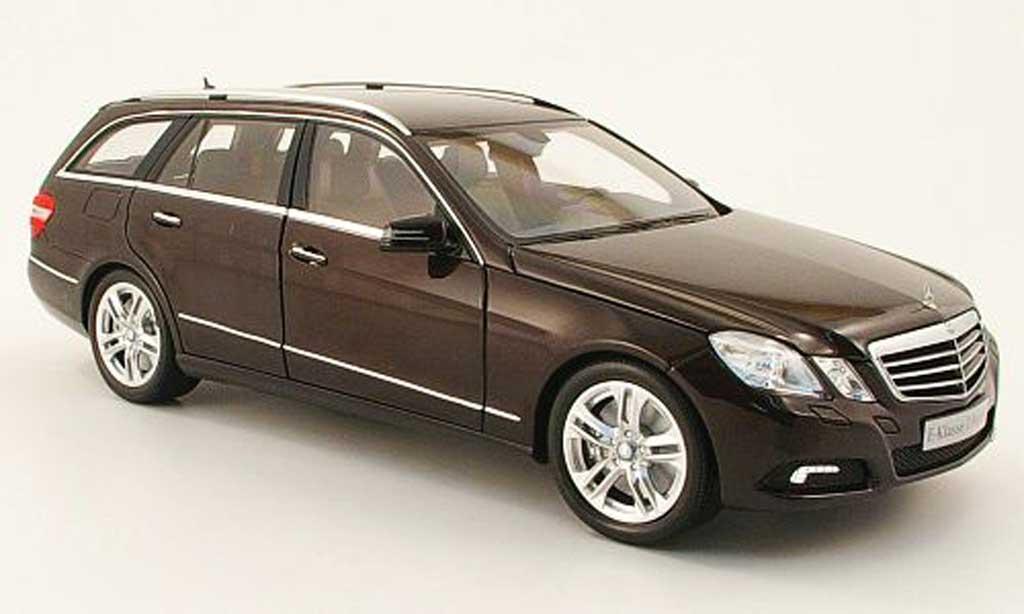 Mercedes Classe E 1/18 Minichamps t-modell (s212) marron 2009 miniature