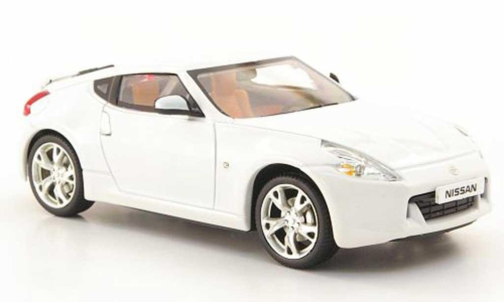 Nissan 370Z 1/43 Norev blanche 2008 miniature