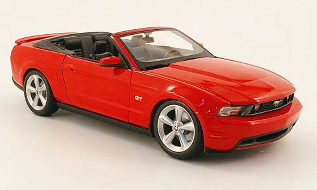 Ford Mustang 2010 1/18 Maisto gt cabriolet rouge miniature