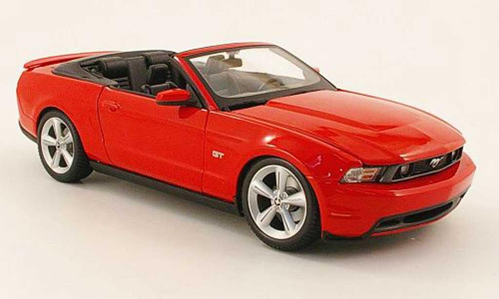 Ford Mustang 2010 1/18 Maisto gt cabriolet roja miniatura