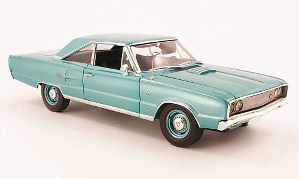 Dodge Coronet 1967 1/18 Highway 61 r/t 426 green diecast