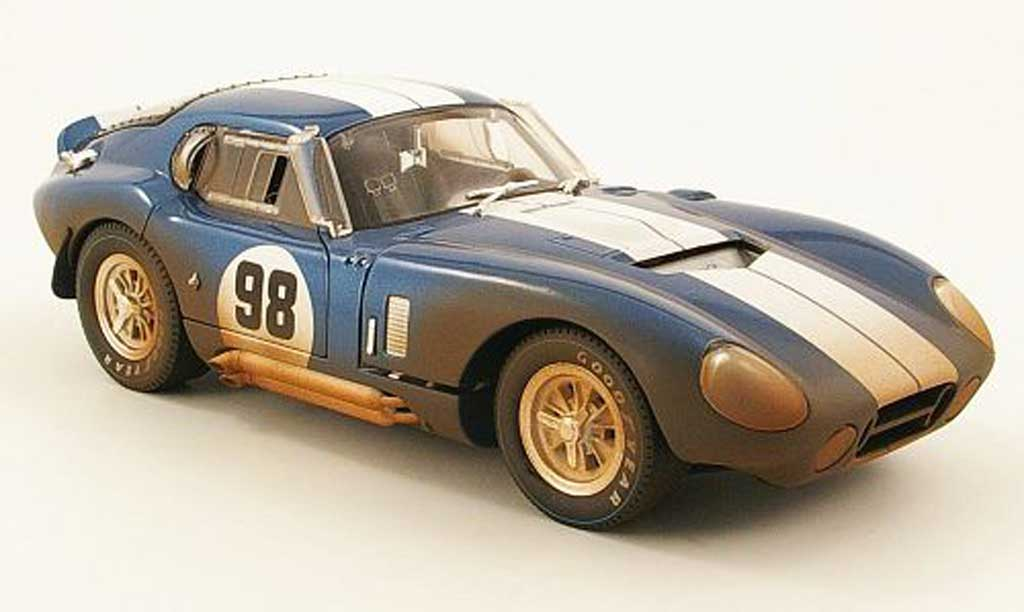 Shelby Cobra Daytona 1/18 Shelby Collectibles Daytona cobra coupe no.98 avec sale 1965 miniature