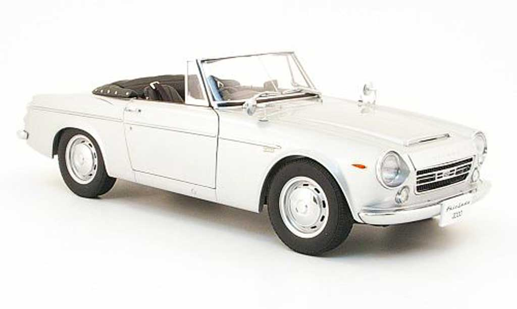 Datsun Fairlady 1/18 Autoart 2000 (sr311) grey diecast model cars