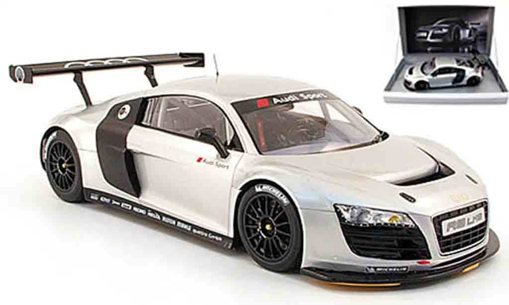 Audi R8 LMS 1/18 Spark grise modele de presentation miniature