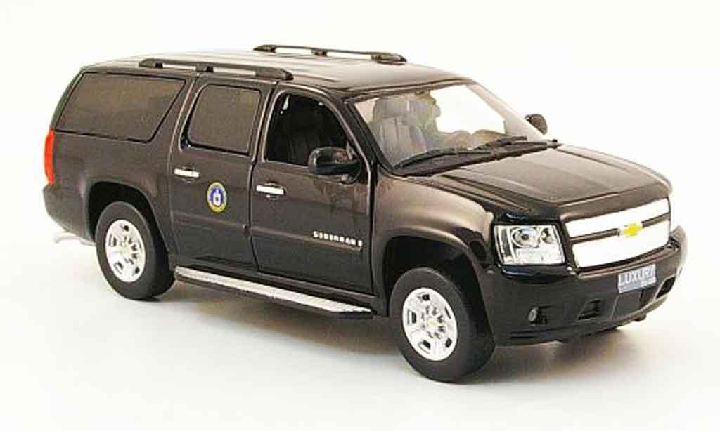 Chevrolet Suburban 1/43 Luxury Die Cast CIA 2009 2010 diecast