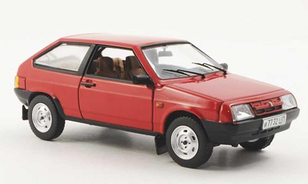 Lada Samara 1/43 IST Models (VAZ2108) rouge 1986