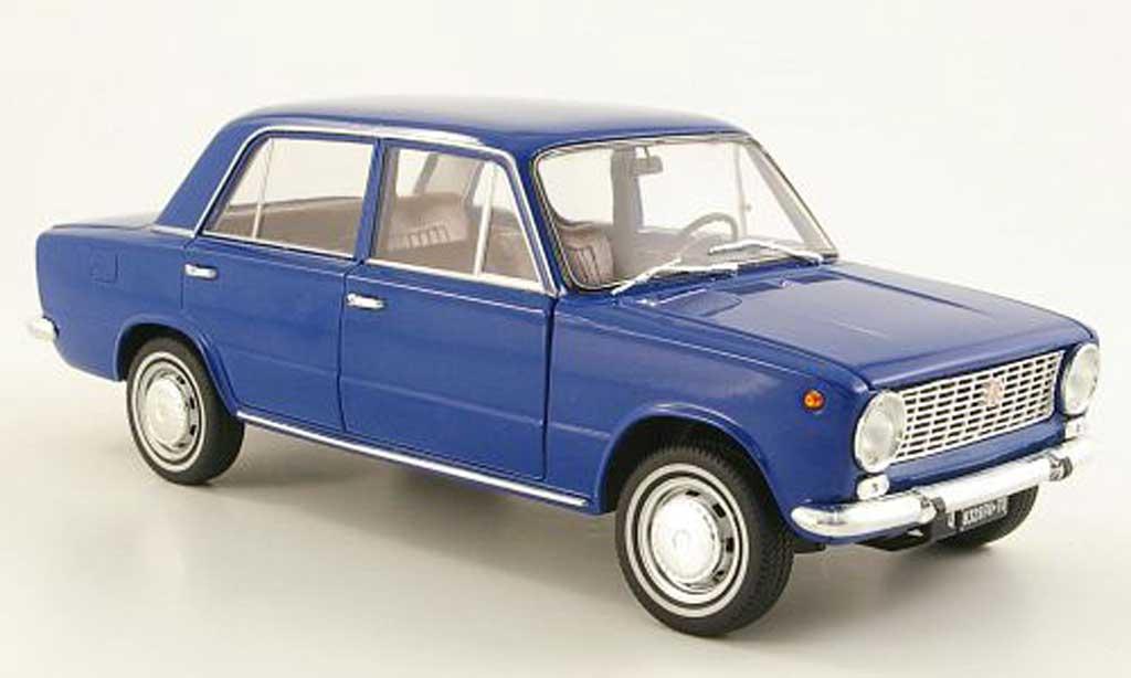 Fiat 124 1/18 IST Models bleu 1966 diecast