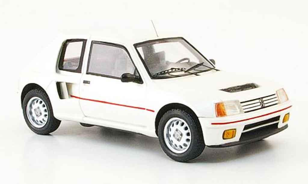 Peugeot 205 Turbo 16 1/43 Spark blanche 1984 T16 miniature