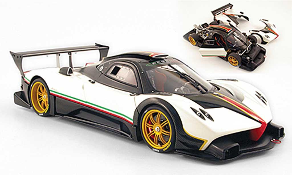 Pagani Zonda R 1/18 Autoart white carbone avec bandes italie 2007 diecast