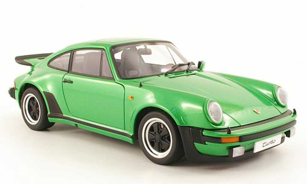 Porsche 930 Turbo 1/18 Autoart 3.0 verte 1975 miniature
