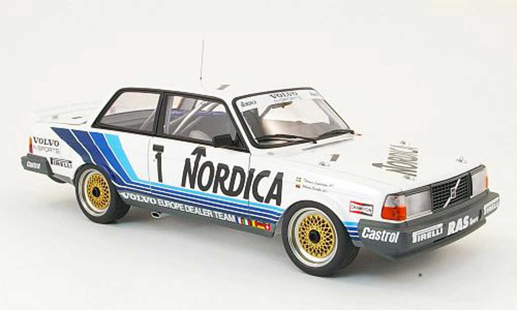 Volvo 240 1/18 Autoart turbo no.1 nordica zolder 1986 diecast model cars
