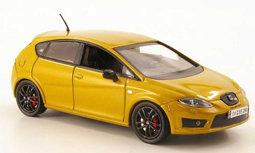 Seat Leon Cupra 1/43 Hachette R gold miniatura