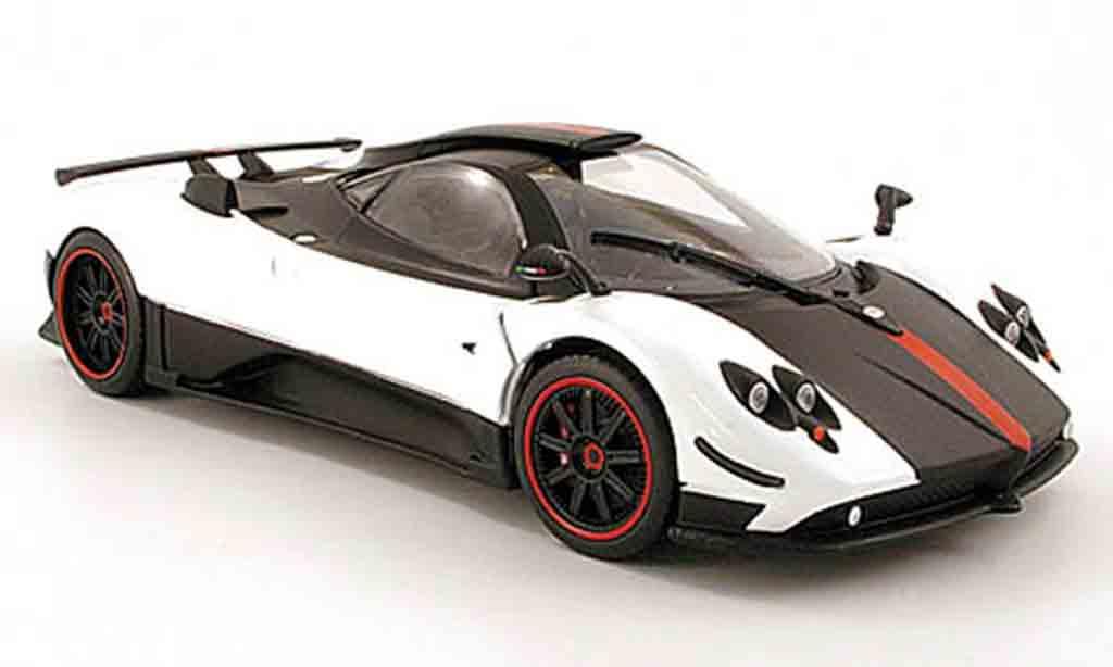 Pagani Zonda cinque 1/18 Mondo Motors blanche/noire/rouge miniature
