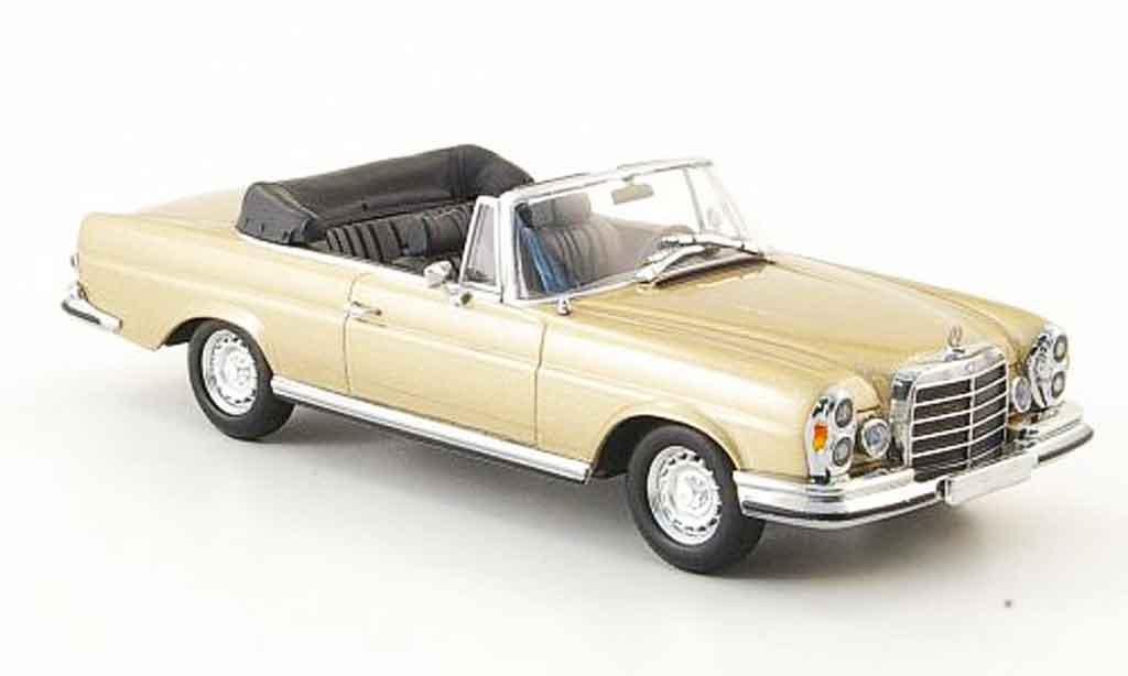 Mercedes 280 1970 1/43 Minichamps SE 3.5 Cabrio (W111) or  MCW 1970 miniature