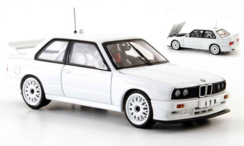Bmw M3 E30 1/43 Autoart DTM white Plain Body Version 1991 diecast