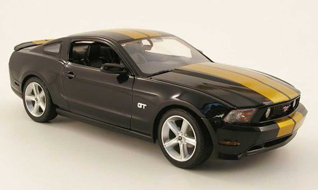 Ford Mustang GT 1/18 Greenlight noir/gold 2010 diecast