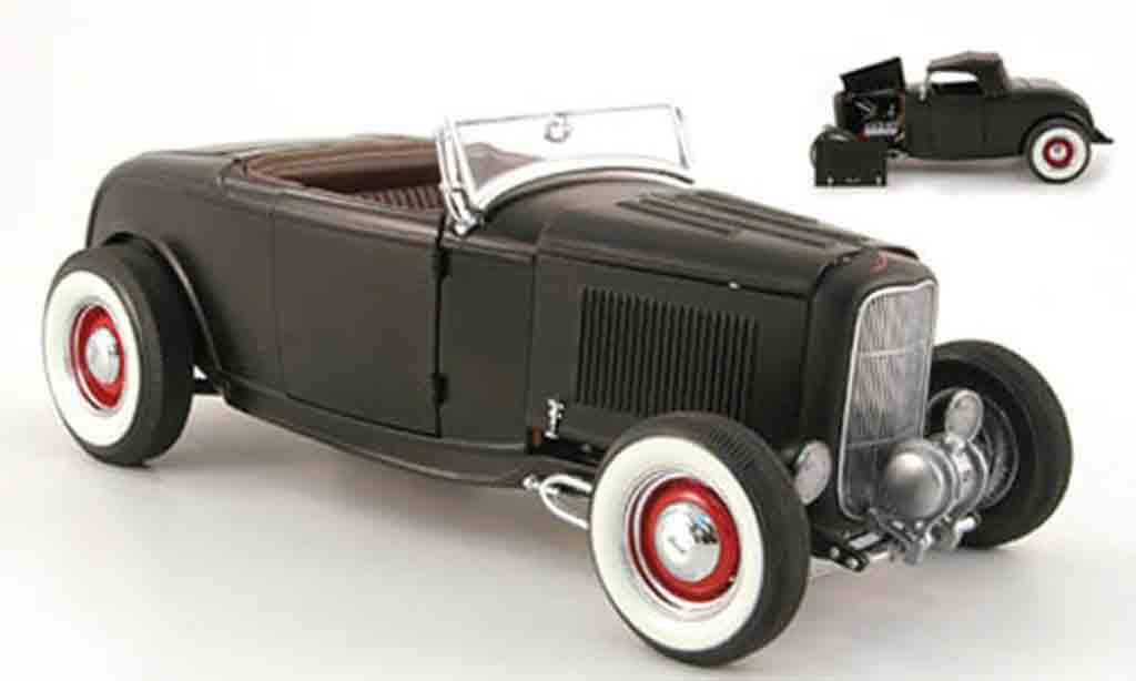 Ford 1932 1/18 GMP series hot rod mattnoir inklusive softtop miniature
