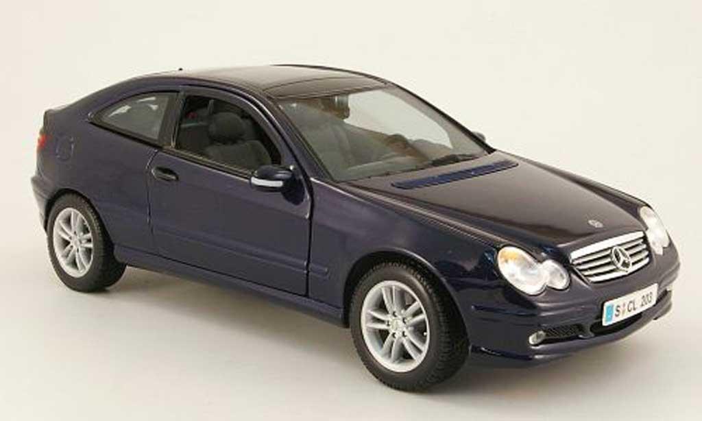 Mercedes Classe C 1/18 Maisto sportcoupe (cl203) bleu diecast model cars