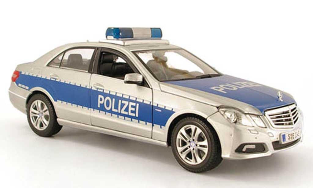 Mercedes Classe E 1/18 Maisto limousine (w 212) police (d) 2009 miniature