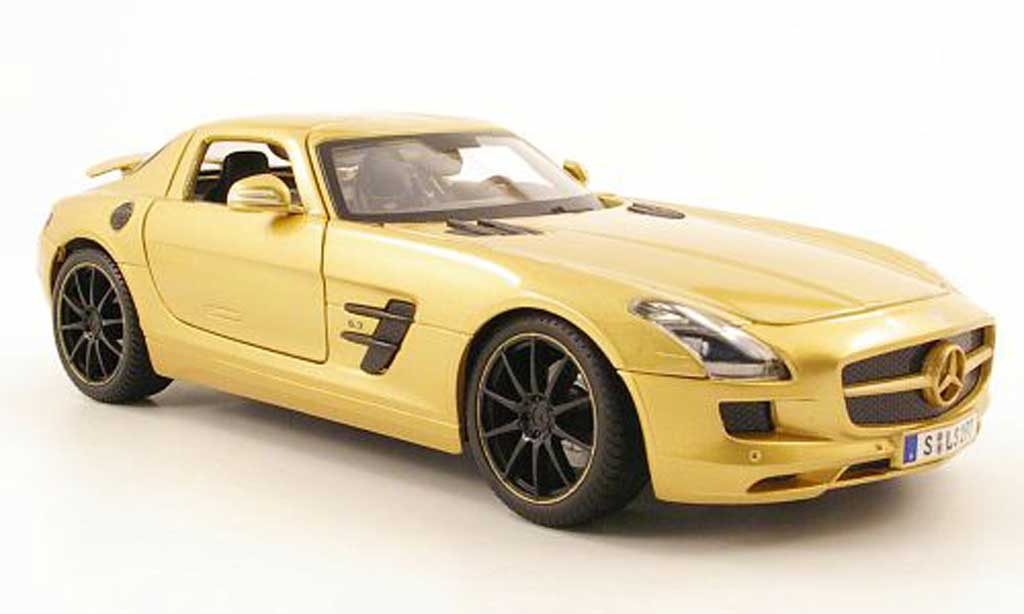 Mercedes SLS 1/18 Maisto coupe amg (c197) or 2010 miniature