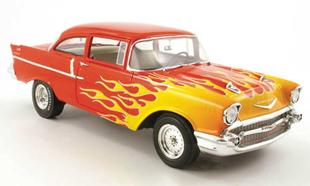 Chevrolet Bel Air 1957 1/18 Highway 61 150 rouge mit flammendekor miniature