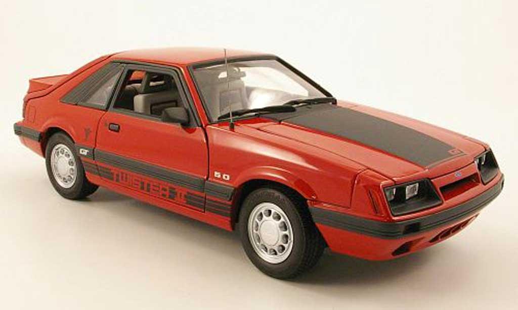 Ford Mustang GT 1/18 GMP twister ii rouge/mattnoir 1985 miniature
