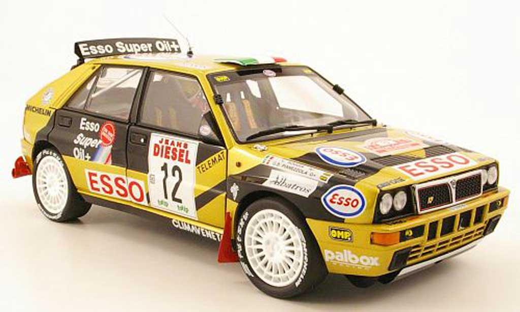 Lancia Delta HF Integrale 1/18 Kyosho HF Integrale evo 2 no.12 rallye san remo 1993 g.b.pianezzola / l.roggia modellino in miniatura