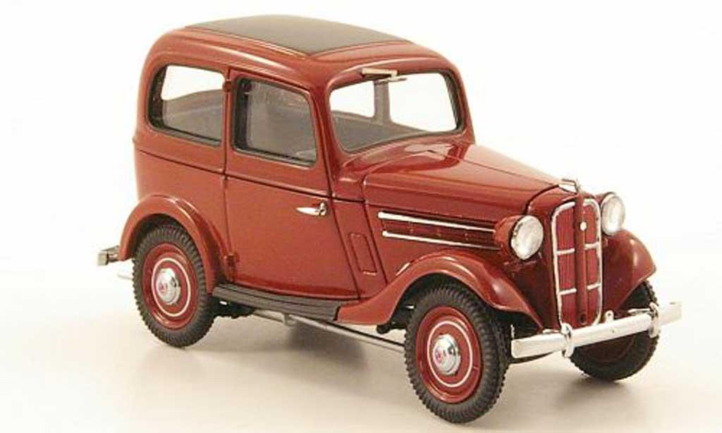 Datsun 17 1/43 Ebbro Sedan rouge 1938