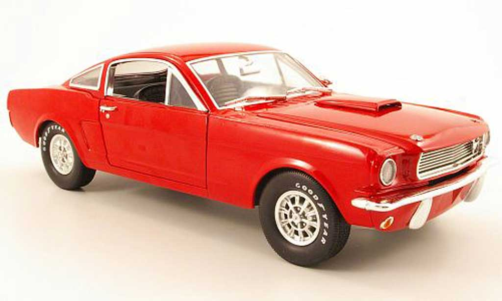 Shelby GT 350 1966 1/18 Shelby Collectibles rouge miniature