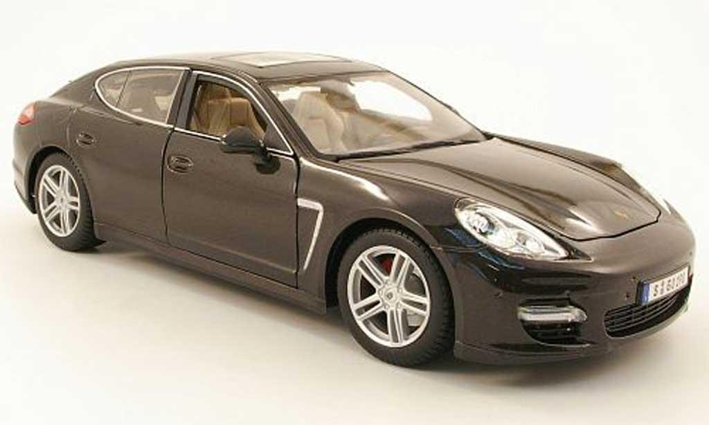 Porsche Panamera 1/18 Maisto turbo gris miniatura