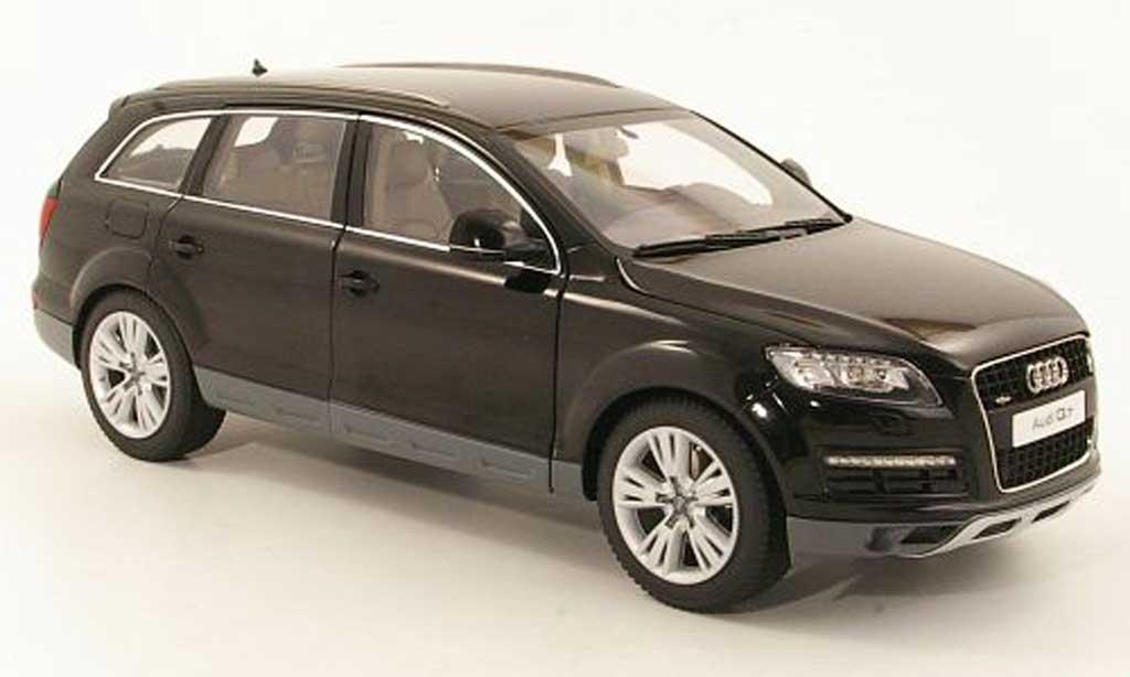 Audi Q7 1/18 Kyosho noire Facelift miniature