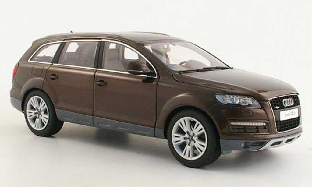 Audi Q7 1/18 Kyosho marron Facelift miniature