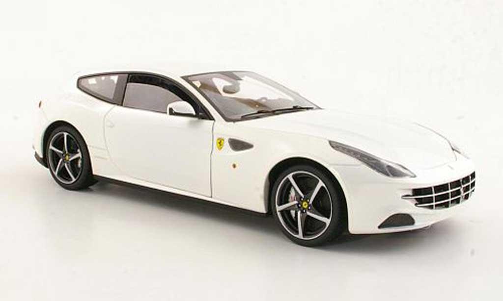 Ferrari FF 1/18 Hot Wheels Elite bianca miniatura