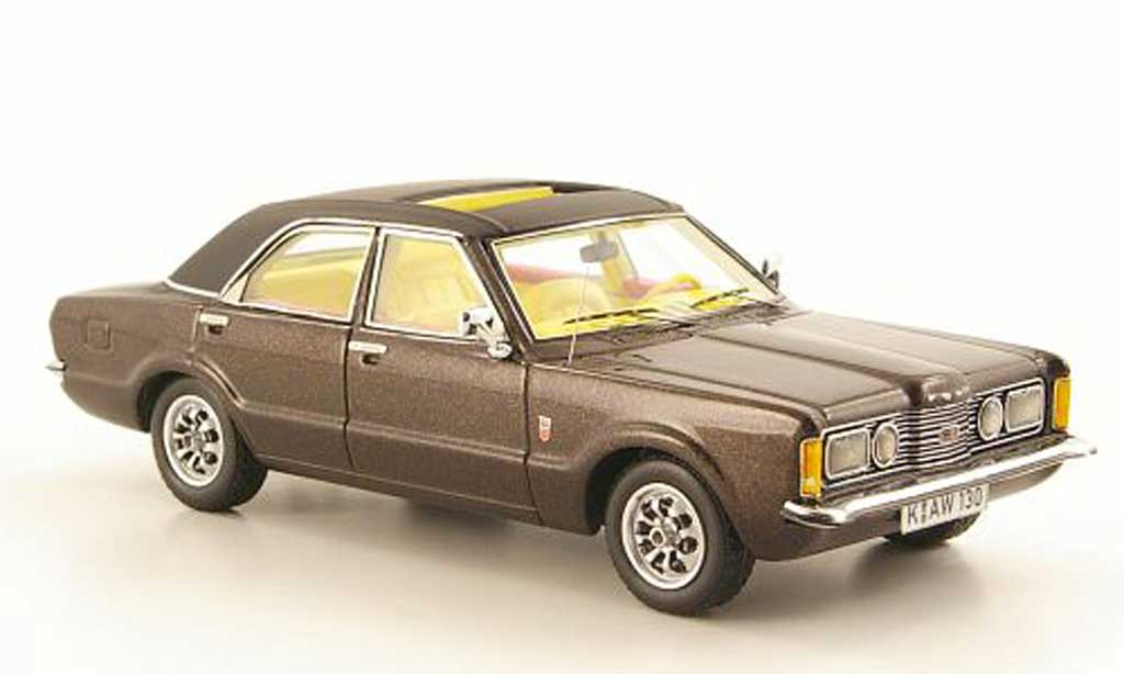 Ford Taunus 1973 1/43 Neo GXL marron/noire 4-portes miniature