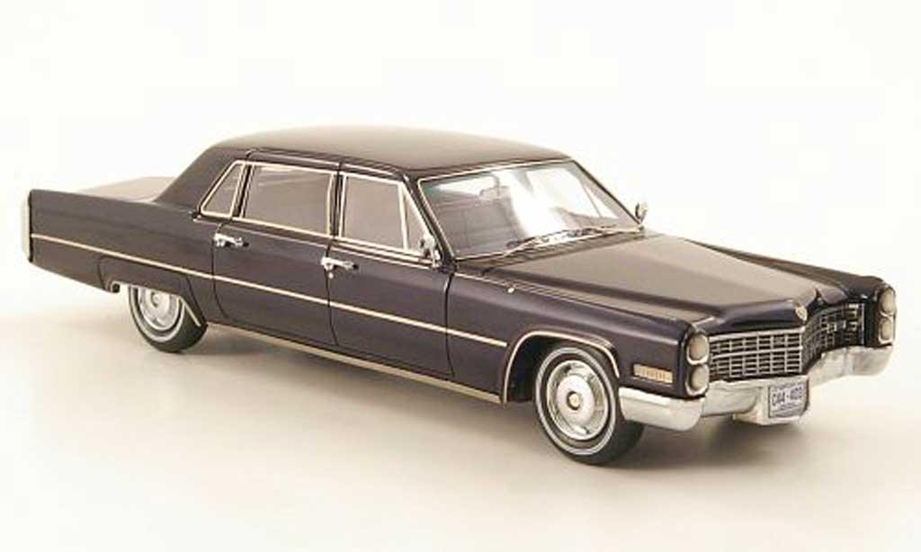 Cadillac Fleetwood 1966 1/43 American Excellence 75 bleu miniature