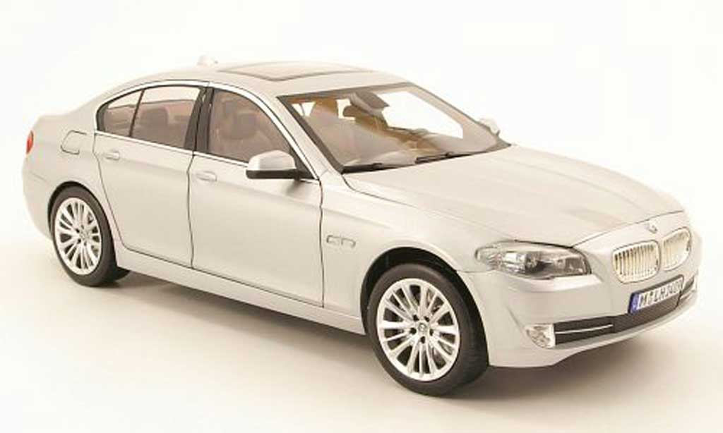 Bmw 550 F10 1/18 Norev limousine grise allise 2010 miniature
