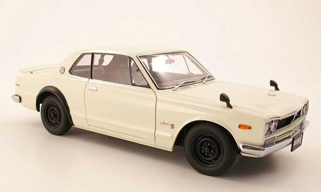 Nissan Skyline 2000 1/18 Autoart GTR (KPGC 10) blanco RHD 1969 miniatura