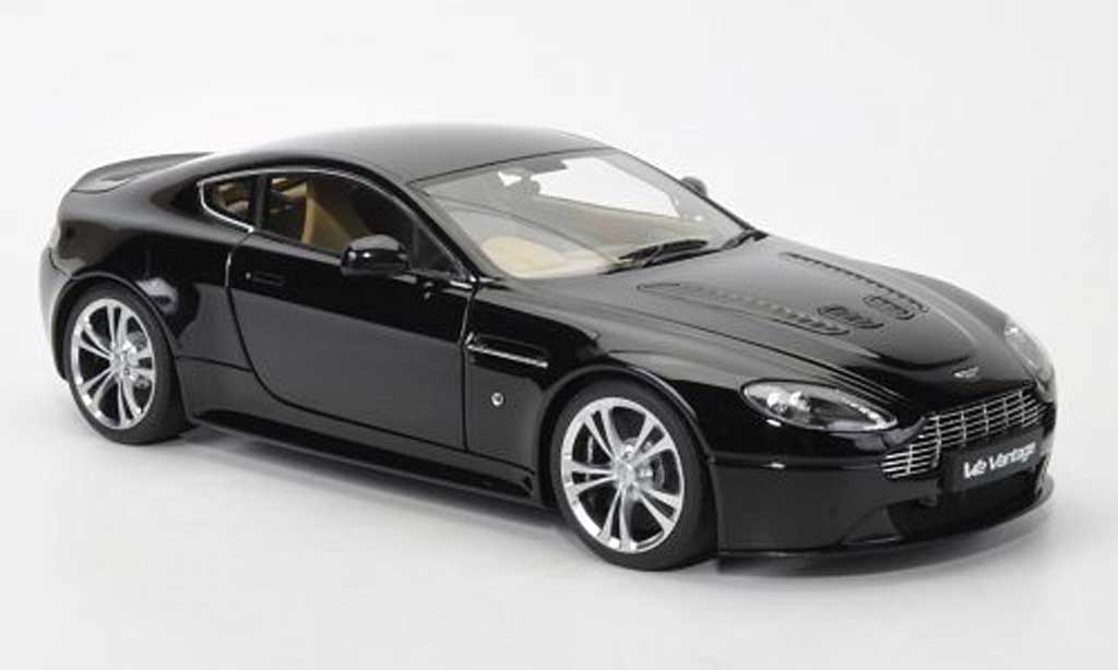 Aston Martin V12 Vantage 1/18 Autoart noire 2010 miniature