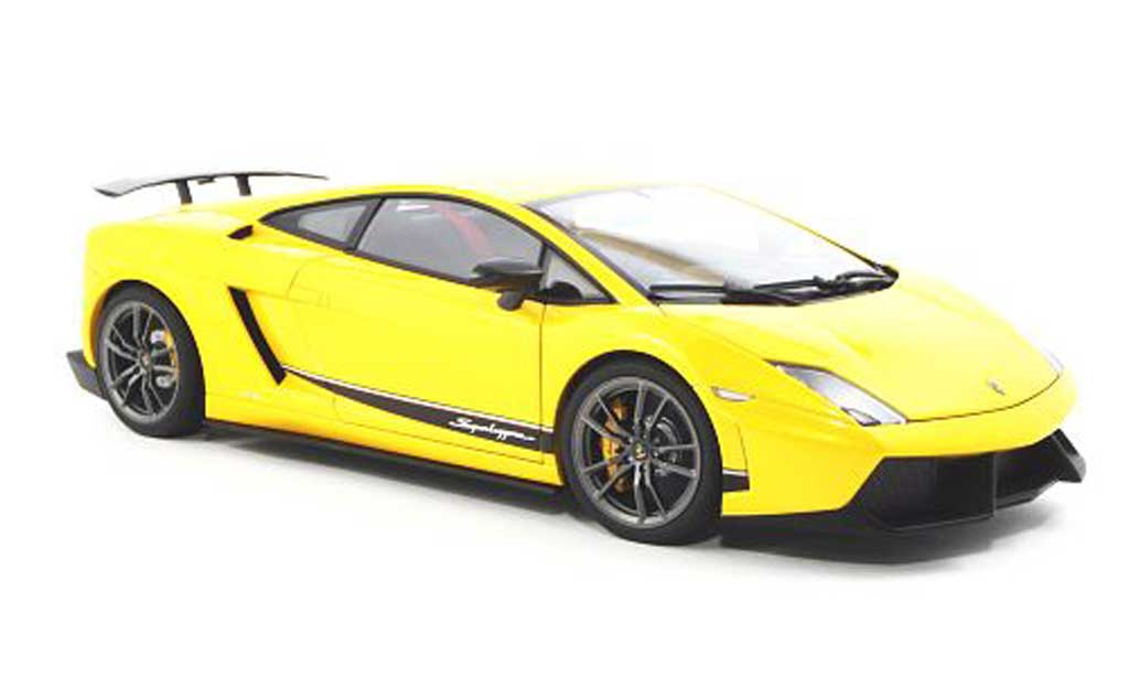 Lamborghini Gallardo Superleggera 1/18 Autoart LP570-4 yellow 2010 diecast model cars