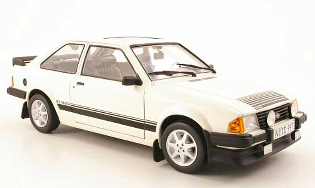Ford Escort MK3 1/18 Sun Star rs 1600i blanc 1984 miniature