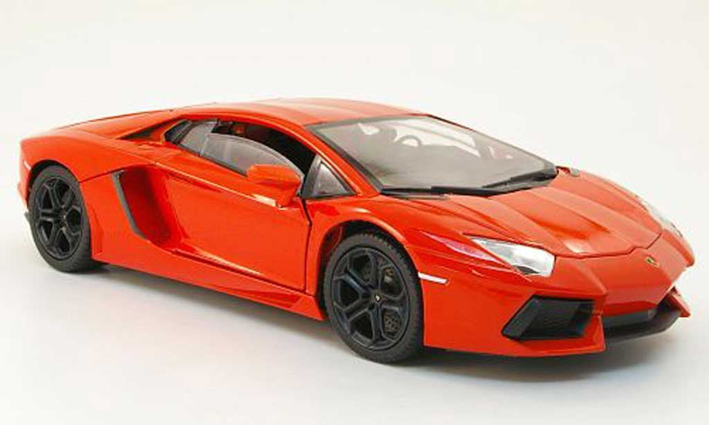 Lamborghini Aventador LP700-4 1/18 Mondo Motors orange 2011