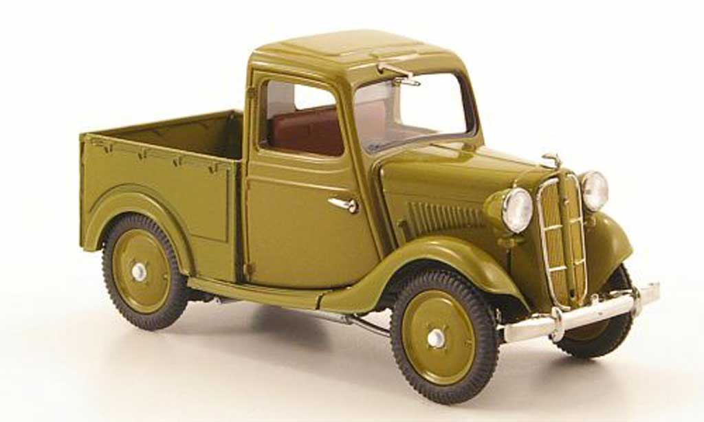 Datsun 17 1/43 Ebbro Truck olivgrun 1937 miniature