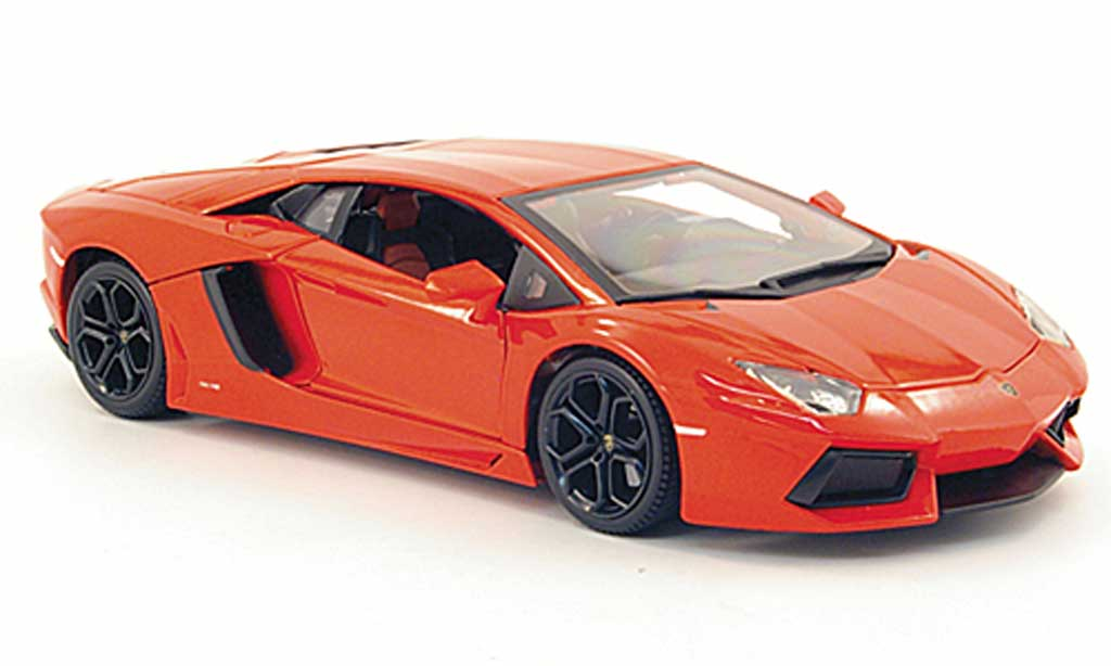 Lamborghini Aventador LP700-4 1/18 Burago orange 2011 miniature
