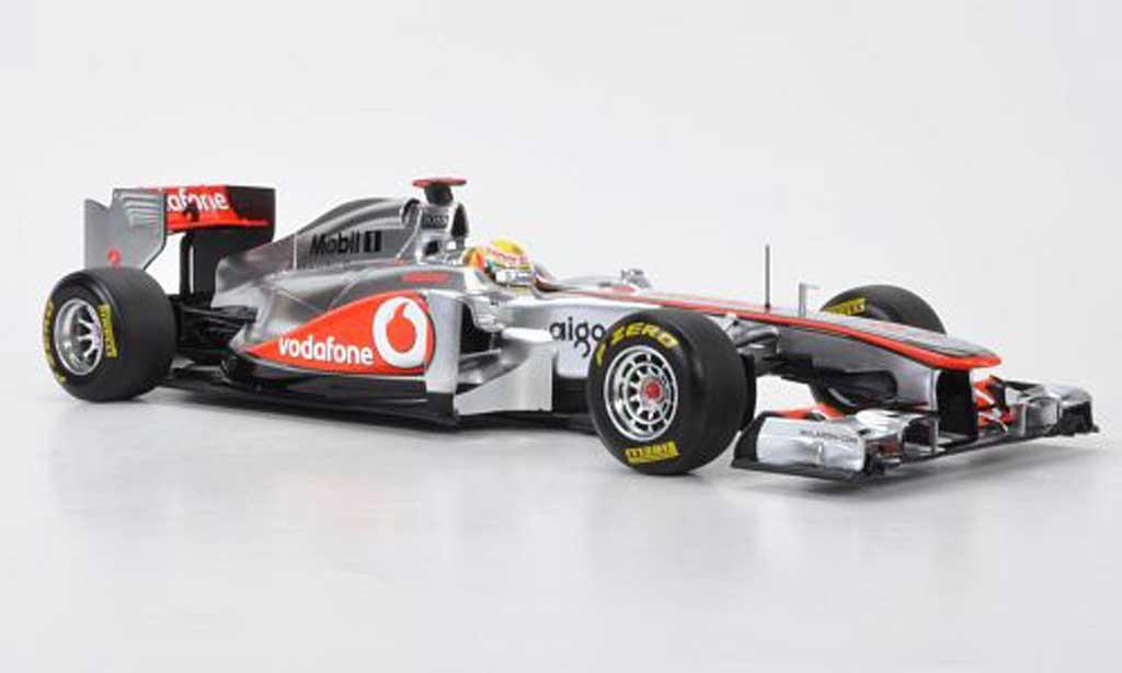 Mercedes F1 1/18 Minichamps McLaren MP4-26 No.3 Vodafone L.Hamilton -Saison 2011 miniature